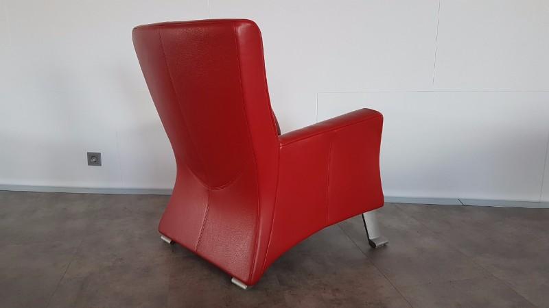 elegante rode leren rolf benz fauteuils model 322. Black Bedroom Furniture Sets. Home Design Ideas